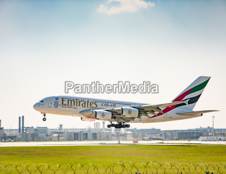 airbus a380 landing on munich airport